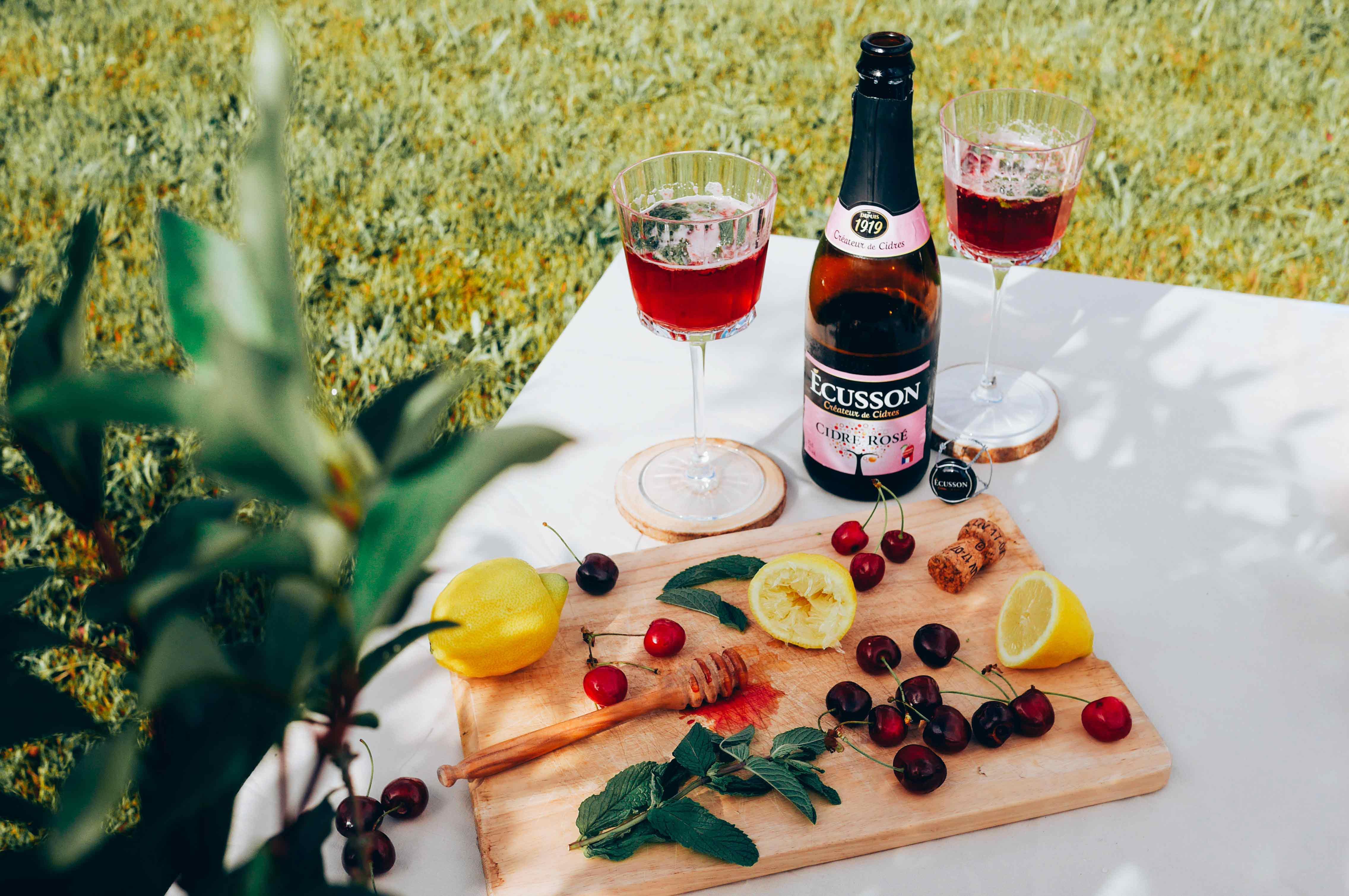 Cocktail d'été au cidre rosé Ecusson