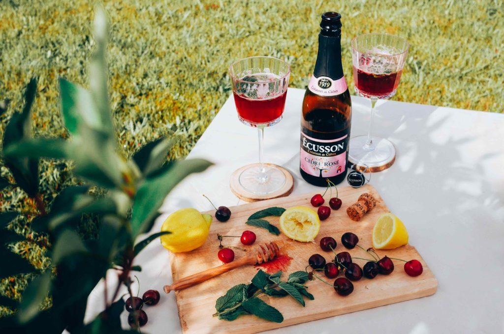 cocktail d 39 t au cidre ros ecusson milk with mint. Black Bedroom Furniture Sets. Home Design Ideas